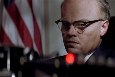 J. Edgar Hoover (Leonardo di Caprio) in seinem Büro.