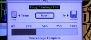 Oft sehen Computeranzeigen im Kino denen in der realen Welt sehr ähnlich, wie hier im Film Hackers